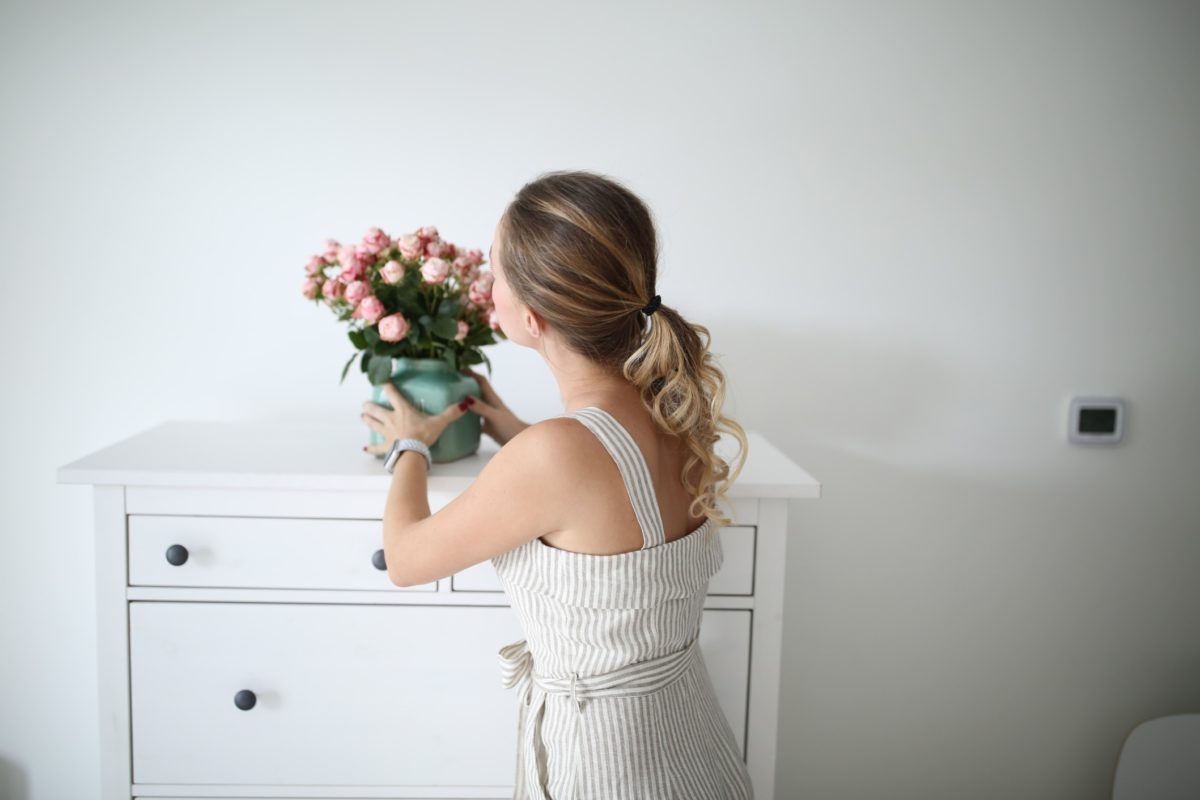 What are the most beautiful luxury statement vases that also make a perfect gift?