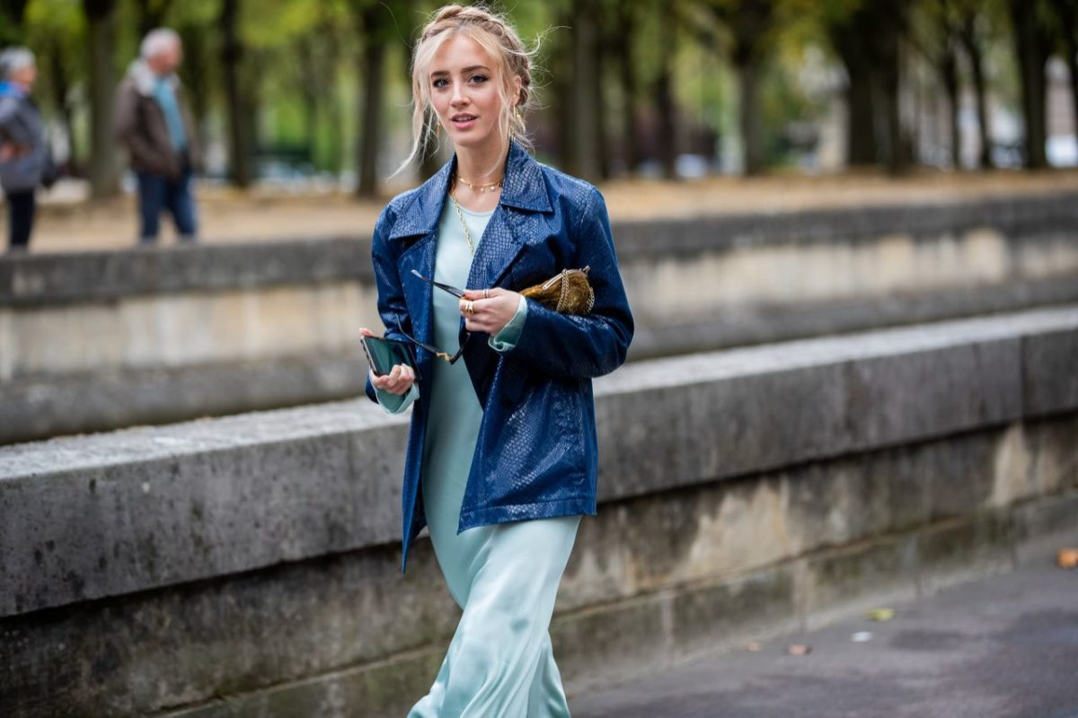 What to wear with indigo blue in July 2020