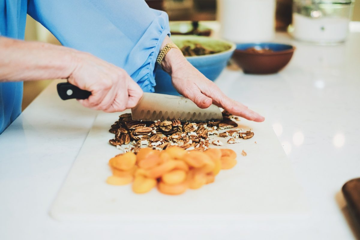 How to hire the best personal chef for your home.