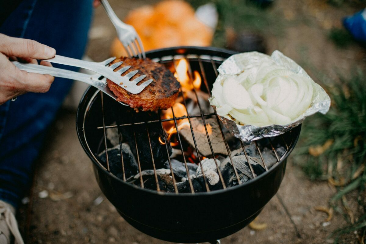 plant based protein foods and meats best for easy vegetarian and vegan summer grilling in 2021, including burgers, nuggets and hot dogs.