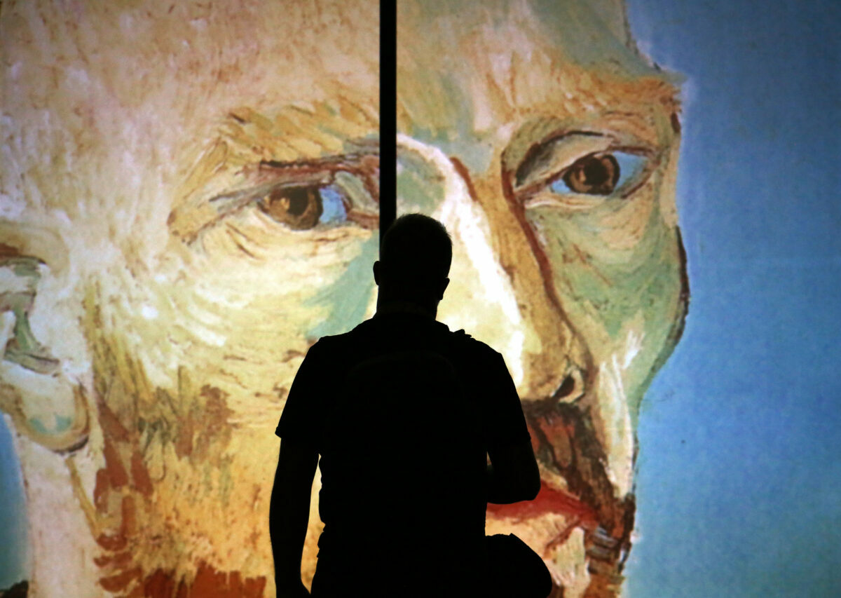 a list of 10 immersive art installations worth seeing this Summer 2021 throughout the United States, including van Gogh in New York City.