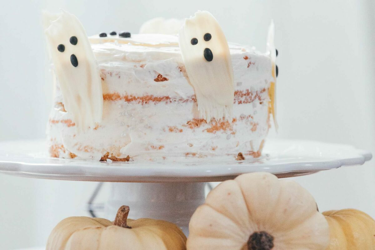 best luxury gourmet Halloween 2021 treats, foods and sweets to serve at parties at home that you can easily buy online for mail order delivery